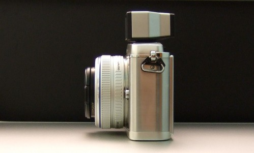Olympus E-P1 Viewfinder Side