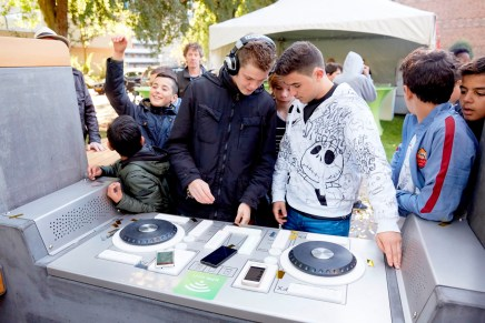 The Yalp Fono – Public hangout for youth becomes a DJ booth