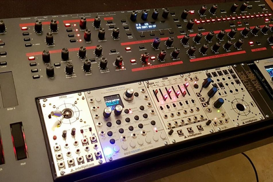 Check this Dave Smith Instruments Pro-2 eurorack modification by Scott Fox