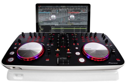 Serato DJ Intro software also with Pioneer DDJ-Ergo-V Controller