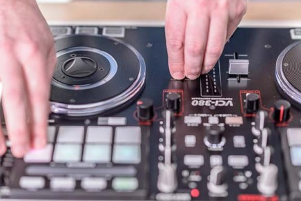 Serato DJ with the Vestax VCI-380 – Video