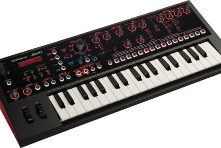 Roland shows the JD-Xi Interactive Analog Digital Synthesizer