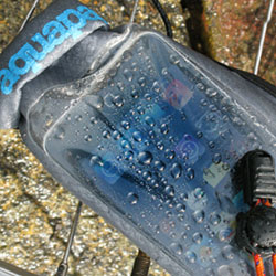 TAP_Aquapac_Stormproof-iPod-case_f