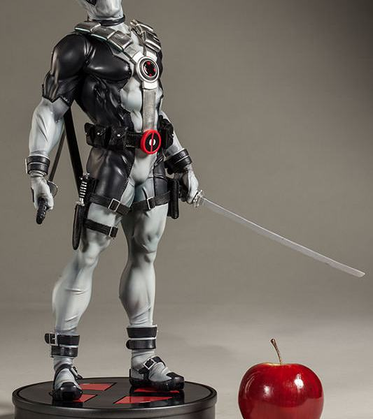 X-Force Deadpool Figure from Sideshow - Geek Decor