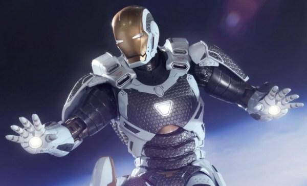 Iron Man Starboost Hot Toys Figure - Geek Decor
