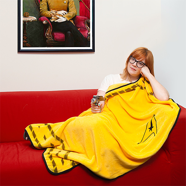 Star Trek Blanket Meets The Best Artwork of All Time - Geek Decor