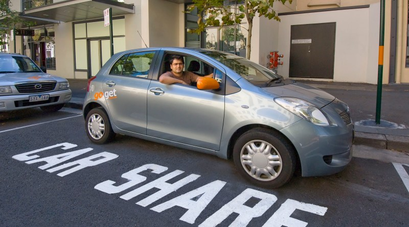 Silver_yaris_in_pod_car_share_bay_lower_res
