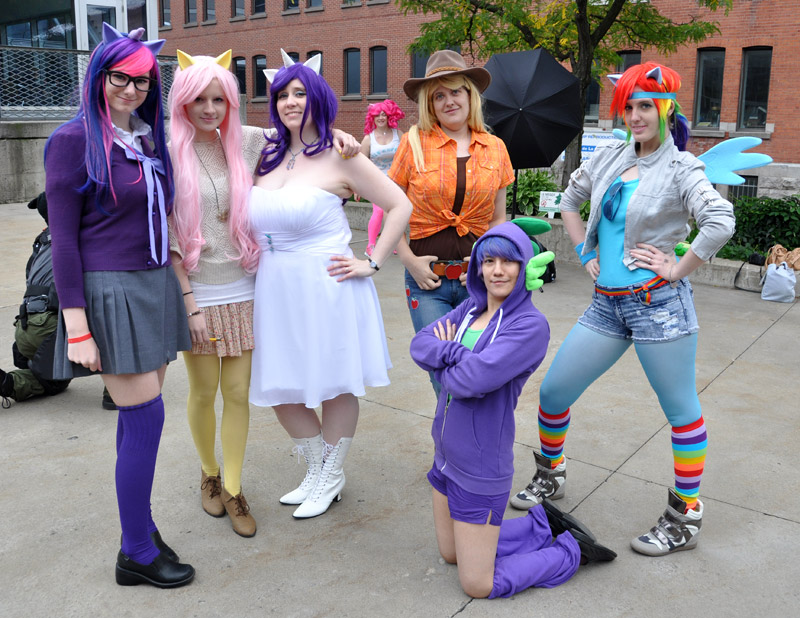 Friendship is Magic - Montreal Comic Con 2013 - Picture by Geeks are Sexy