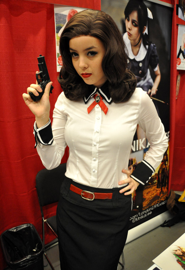 Monika Lee (Burial at Sea Elizabeth - Bioshock Infinite) - Montreal Comic Con 2013 - Picture by Geeks are Sexy