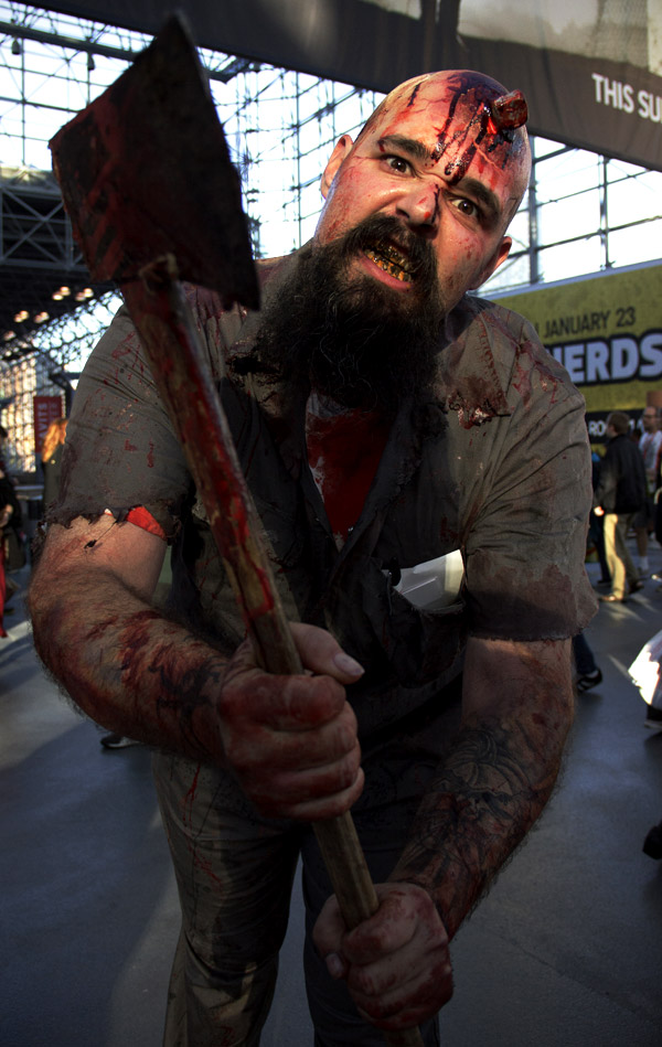 Zombie Axe Dude – New York Comic Con (NYCC) 2013 - Geeks are Sexy