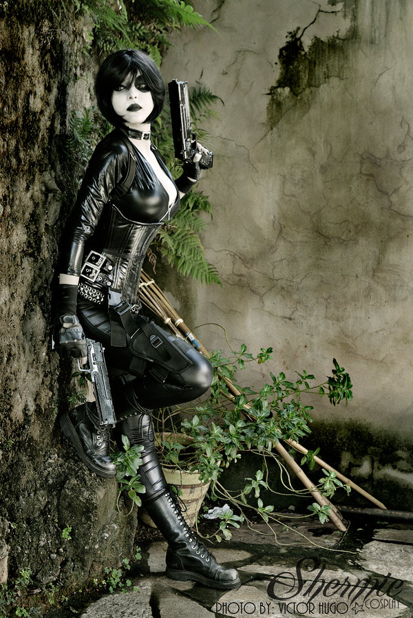 domino-shermie-cosplay-2