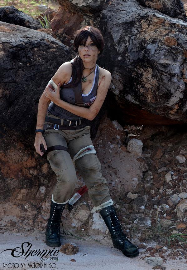 lara-croft-shermie-cosplay