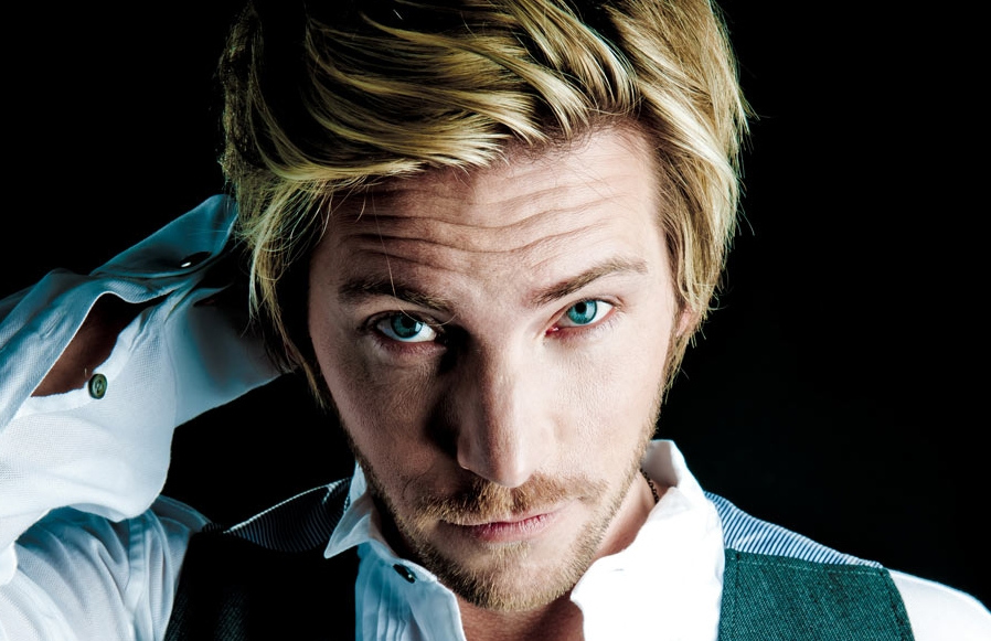 Transformers Fall Of Cybertron Wallpaper Make This Happen The Last Of Us Star Troy Baker Wants
