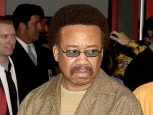 Maurice White, cantor do Earth, Wind & Fire, em foto de 2003