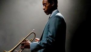 Divulgado o trailer oficial do filme biográfico de Miles Davis