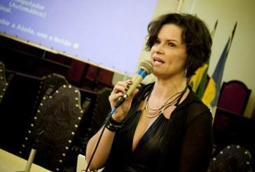 Ivana Bentes: narrativa do impeachment foi construída pela mídia brasileira