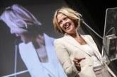 Protesto pede renúncia de ministra após ação pró-fertilidade