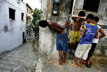 """Educação em Portugal """"não ultrapassou as desigualdades criadas pelo racismo"""""""