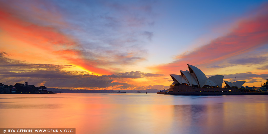 Manly Fall Wallpaper Vivid Sunrise Over Sydney Opera House Sydney Nsw