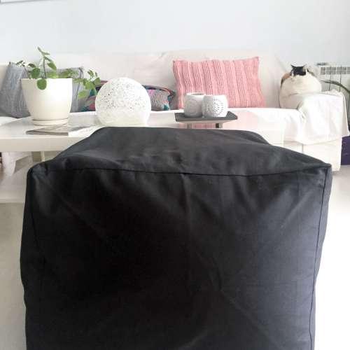 Puf de tela lisa estilo escandinavo SQUARE