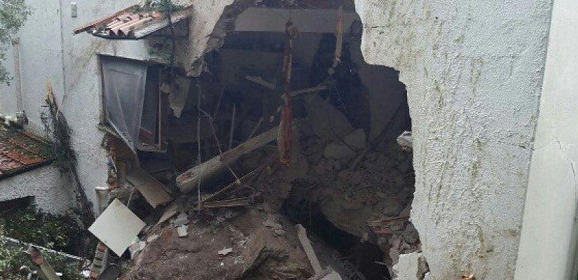 Frana a Mondello, masso su una casa: muore un'anziana