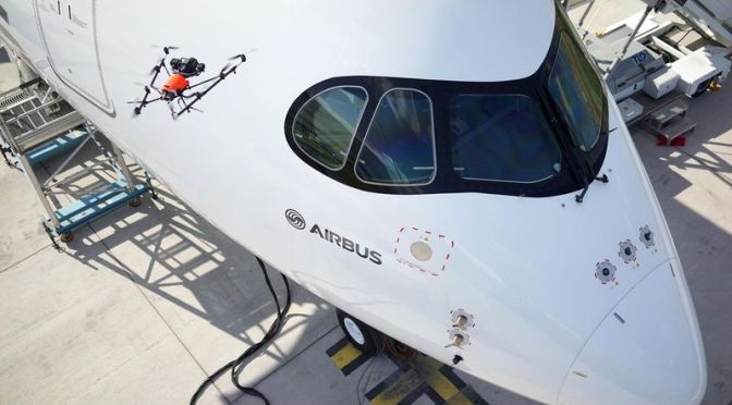 A350_XWB_quality_inspection_by_drone-LORES
