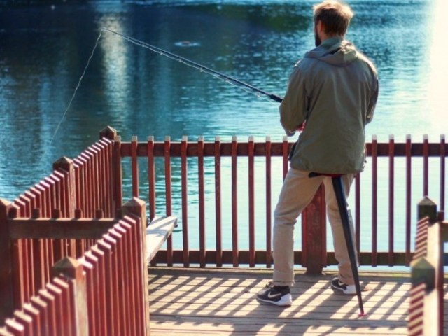 Sitwand is the Portable Folding Chair that Fits in your Pocket
