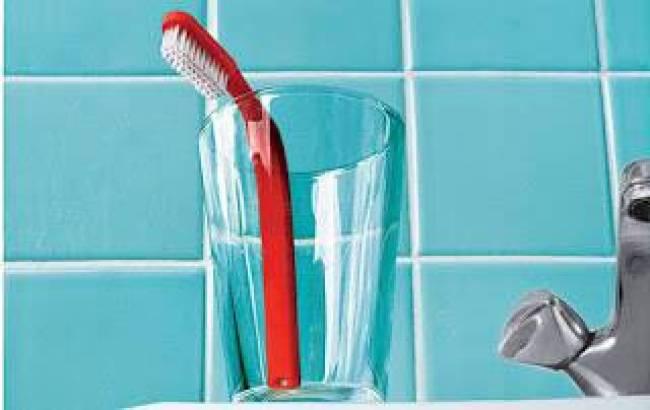 Πόσο καθαρή είναι η οδοντόβουρτσα σας!