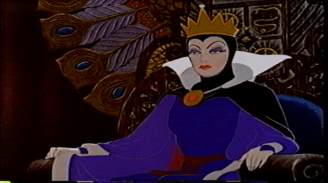 The Evil Queen's bigger eyes and more outlandish attire allow her to stylistically mesh with the rest of the film, despite also retaining realistic human proportions.