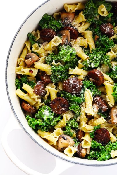 Pasta with Italian Sausage, Kale and Mushrooms | Gimme Some Oven