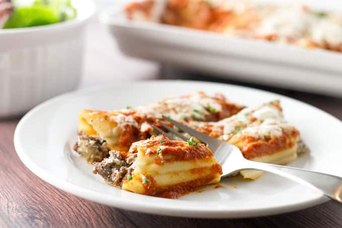 Cheesy Beef Manicotti