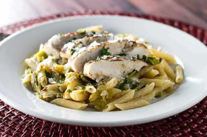 Lemon Leek Pasta with Grilled Chicken | girlgonegourmet.com