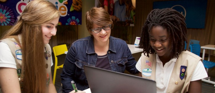 How to Maximize Your Girl Scout Volunteer Experience on Your Résumé