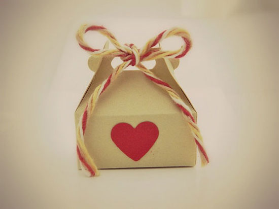 20 Amazing Valentines Day Gift Boxes Ideas 2013 For Girl