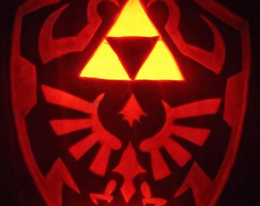 Hylian shield pumpkin by johwee.deviantart.com