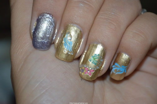 Maybelline New York Colour Show Nail Colours in Gold   Review product review Nail colours nail art stickers Nail art Maybelline Products Maybelline New York Colour Show Nail Colour Review maybelline bold gold nail polish Color show