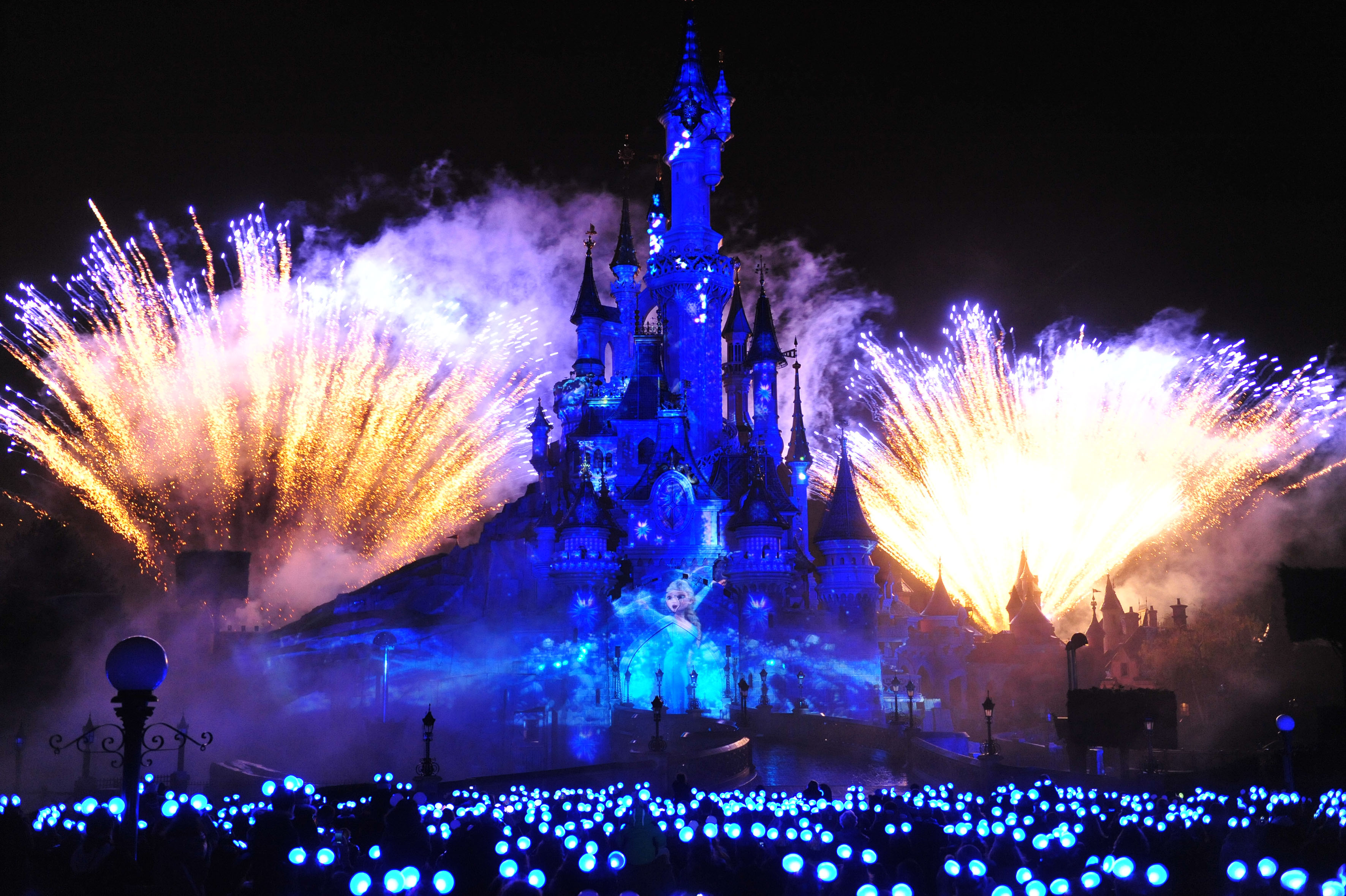 Disneyland Paris New Years Eve 2015 Fireworks - LTT