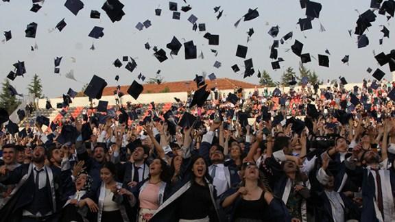 4 Bin Öğrenci Mezun Oldu (Video)