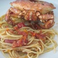 Spaghetti con salsa di granchi