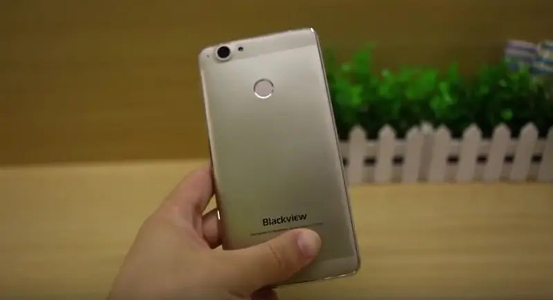 Video: Blackview R7 First impression - Helio P10 and Android 6.0