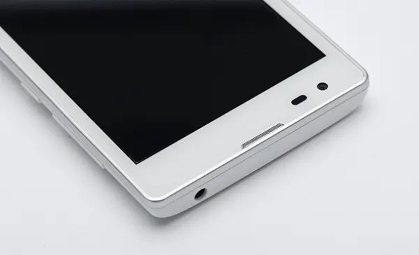 white xiaomi redmi 1 After long last, Xiaomi Redmi White model is official