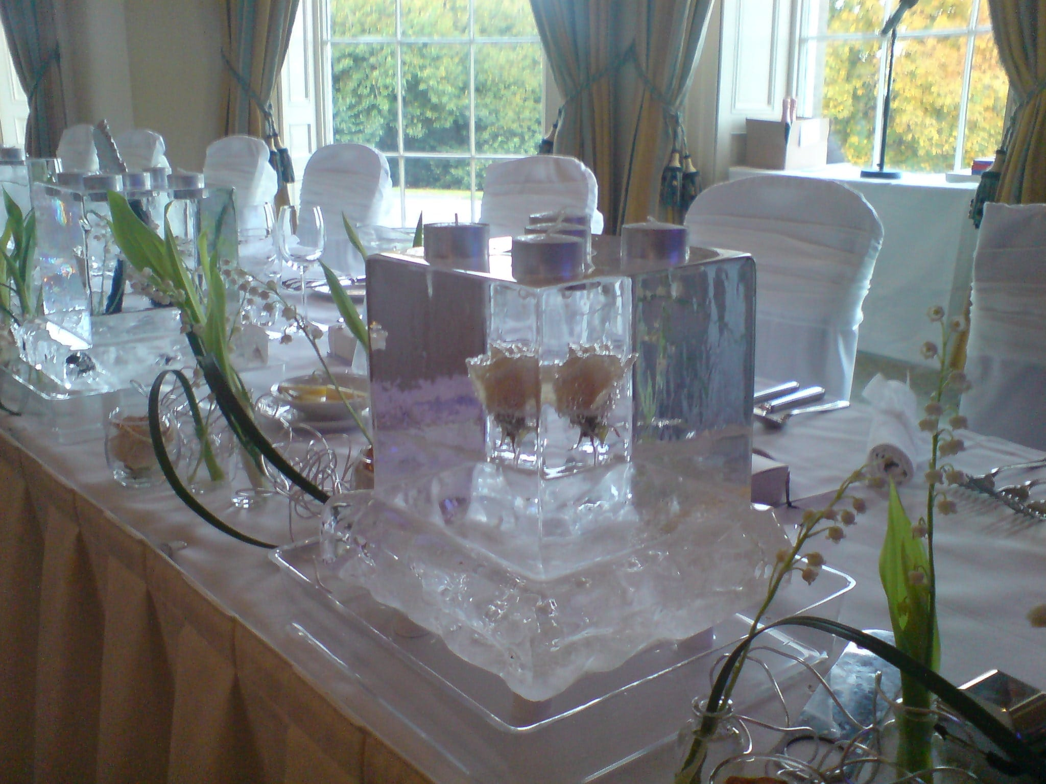 Ice Sculpture Wedding Decorations A Unique Idea