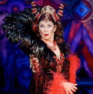 Snow White - Juliet Cadzow (Queen Morgiana)