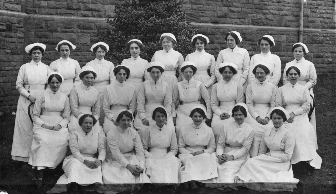 group of VADs Beaufort War Hospital