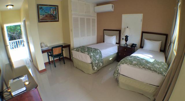 Glistening Waters Jamaica Famous Tour Restaurant Hotel