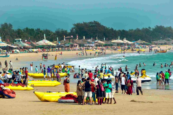 Crowds on Baga Beach, one of the most popular and therefore busiest beach resorts in Goa