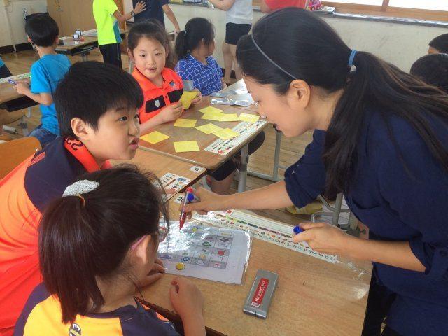 Lianne teaching in South Korea
