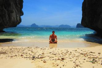 how to work abroad and travel the world. Interview with Troy Erstling global entrepreneur and founder of brain gain