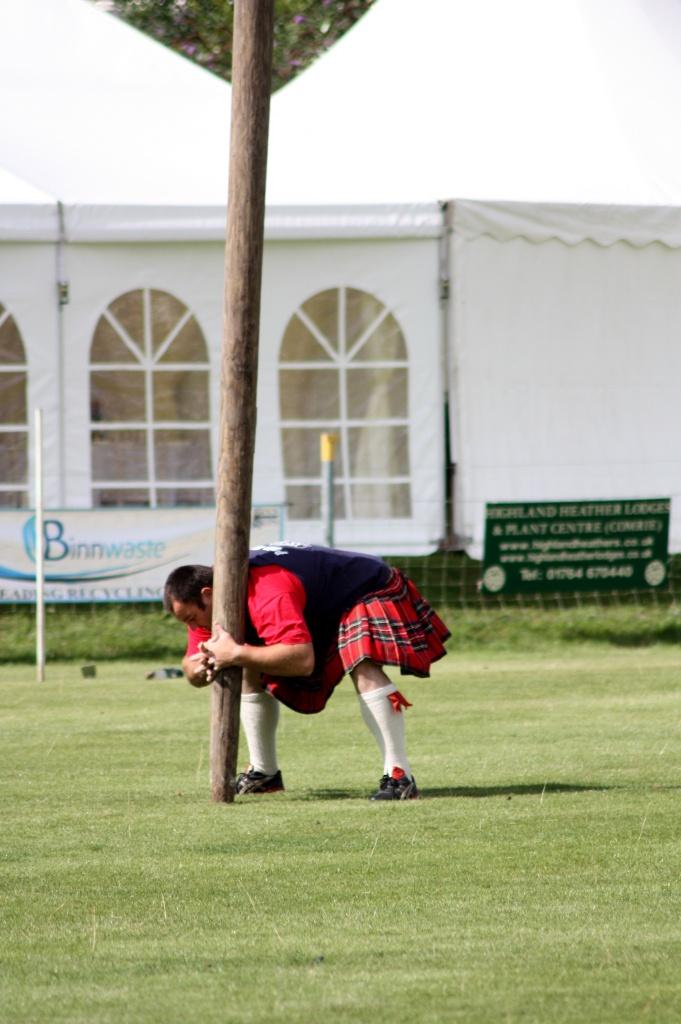 Prise en main caber - Highland Games - Ecosse