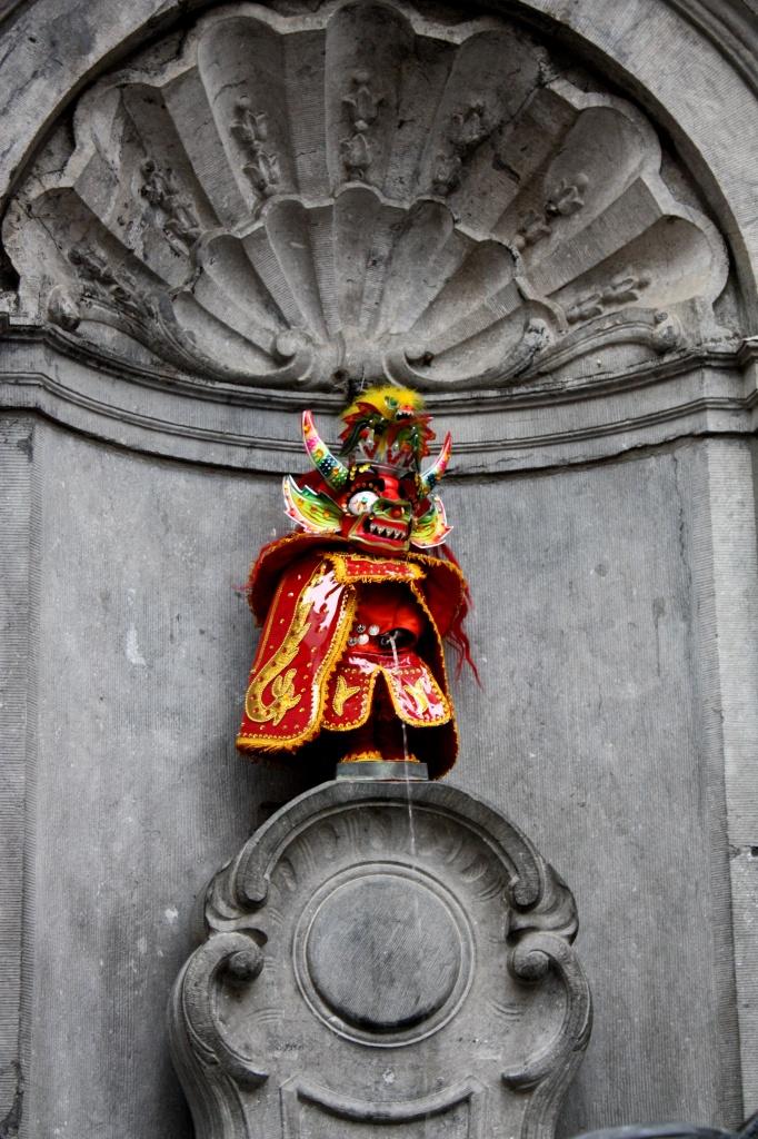 Manneken Pis déguisé - Bruxelles